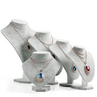 buste de collier de velours achat en gros de-Modèles de plateau de cou de velours gris Collier Pendentif Titulaire Mannequin Buste Bijoux Affichage Stand de stockage