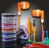 ohrhörer 5g großhandel-In-Ohr-Ohrhörer bunter Kopfhörer mit Mic 3.5mm Freisprecheinrichtung für IPhone 5 5G 5S 5C 4S IPod IPad Headset Dreieck Einzelhandel Paket Box
