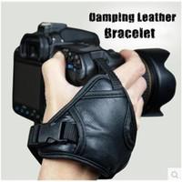 dslr kamera handgelenk armband großhandel-Hochwertiges Leder weichen Handgriff Handschlaufe schwarz für Nikon Canon Sony SLR / DSLR-Kamera