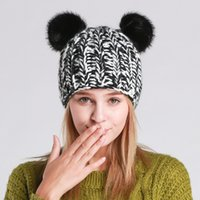 Cute Panda Ears Hat Beanie Donna Warm Nero Colore bianco Handmade Hip-Hop Cap Lady Girls Carino Inverno Berretti a maglia Casual Berretti di lana