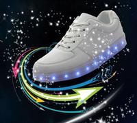 männer freizeit schuhe preis groihandel-LED leuchtende Schuhe Männer Frauen Mode Turnschuhe USB Lade leuchten Turnschuhe für Erwachsene bunte glühende Freizeit flache Schuhe besten Preis 50pcs