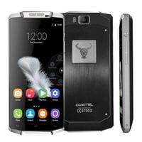 10000mAh Banque de puissance 4G 64Bit Quad Core de 5,5 pouces IPS Oukitel rtphone