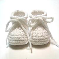 häkeln baby booties monate groihandel-Weiße Babyschuhe. Gehäkelte Babyschuhe für Taufe oder Taufe. Auf Bestellung. 0-3 Monate unisex Baby Booties.0-24M Baumwollgarn