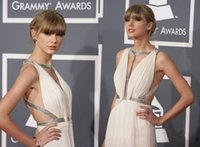 2015 Sexy Grammy Awards Taylor Swift Halter profondo scollo a V pieghe drappeggiato alta fessura Backless chiffon sera Celebrity Dresses Y01