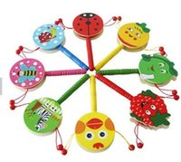 hand rasseltrommel großhandel-Kinder Baby Musical Baby Spielzeug Hand Glocke Rassel Trommel Puzzle Holzspielzeug Früherziehung Farbe Nach dem Zufall senden
