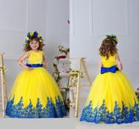 meninas de flor vestidos de noiva amarelos venda por atacado-Meninas amarelas Vestidos Pageant Vestidos de Apliques Sash Bow vestido de Baile Flor Menina Vestidos Para O Casamento Até O Chão Meninas Aniversário Princesa Dresse