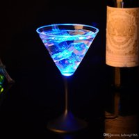 Wholesale flashing led plastic cups - Plastic Luminous Goblet Colorful Transparent And Smooth Flash Cup LED Light Up Standing Cups Gift 5 7jc B R