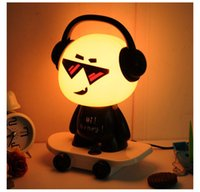 Music Boy Petite lampe de bureau Bed Head Night Light Lampe de table DJ Skateboard Cute Boy lumière de nuit Cartoon Desk Lamp Creative Lamp