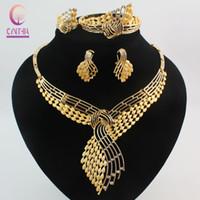 ingrosso anelli di nozze d'oro africano-Set di bigiotteria africana di moda con strass placcati oro 18 carati Accessori da sposa da donna Collana nigeriana Orecchini Bracciale Pa