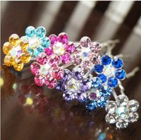 Wholesale Crystal Hair Grips - Free Shipping Crystal Flower Hair Pins. Wedding Party Hair Accessories. Bride Hair Grips