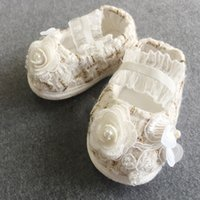 Wholesale Hand Made Kids Shoes - 2018 Hand Made Flowers Baptism Shoes Pearls Kids Formal Wear Elastic Band Children Shoes Free Shipping