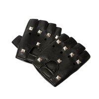 кожаные заклепки оптовых-Оптовая-2015 женские мужские искусственная кожа заклепки половина палец кожаные перчатки с заклепками хип-хоп мода орнамент декор аксессуары GLV-0025