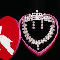 Wholesale Three Piece Pearl Tiara - Cheap 2015 Three Pieces Pearls Victorian Clear Rhinestone Crystal Crown Necklace Earrings Set Bridal Crown Tiara Wedding Bridal Jewelry