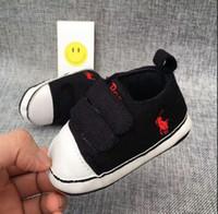 chaussure à semelle souple bébé noir achat en gros de-Chaussettes de bébé Delebao Costume Coton pur noir et blanc Dot Semelle souple Infant Toddler First Walekers