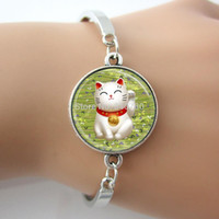 Wholesale Christmas Art Pictures - Lucky Cat picture Bangle Green Maneki Neko Good Luck Charm Japanese Art Pendant Glass dome photo bracelet GL007