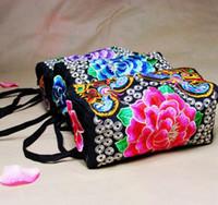 porte-monnaie brodé achat en gros de-Brodé Zipper Purse Vintage Petit sac pour femmes Journée embrayages bracelets rétro avec Design Floral Femme Sacs