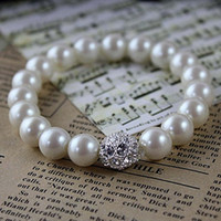 Wholesale Pearl Strands Wedding - Wholesale Fashion Jewelry Top Selling Fashion Faux cream pearl bracelet with a rhinestone ball For Wedding Or Party
