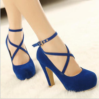 Femmes Strappy High Heels Pompes 2015 Sexy Women Dress Chaussures Femmes Mariage Chaussures Wear Plate-forme Low Cut Cross Buckle Noir / Bleu / Rouge