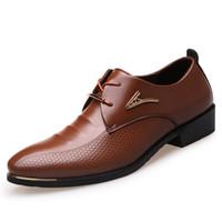 zapatos marrones casuales de negocios al por mayor-Tamaño grande 38-46 hombres de la manera zapatos de vestir de punta estrecha con cordones zapatos casuales de negocios de los hombres marrón zapatos de cuero negro oxford 2a