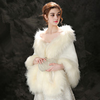 casacos de peles noivas venda por atacado-Jane Vini Bege / Vermelho Faux Fox Fur Wraps Para Casacos De Bolero De Casamento Vestidos De Noite Cape Stoles Casaco Noiva Fur Shrug Shawl 2018 Inverno