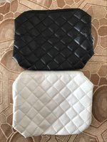 Wholesale elegant square - HOT sale! Fashion makeup bag famous logo quilted cosmetic case luxury party makeup organizer bag elegant toiletry clutch bag 2 color