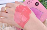 humedad de los labios al por mayor-50pcs Pilaten Cristal de colágeno Ácido hialurónico Máscaras de labios Humedad de membrana Esencia blanca Cuidado de la cara de la piel