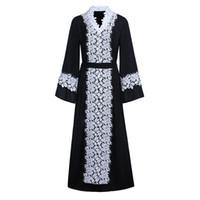 siyah şifon abayas toptan satış-Siyah ve beyaz klasik dantel dikiş şifon elbise Müslüman hırka kıyafeti siyah abaya nokta ücretsiz kargo