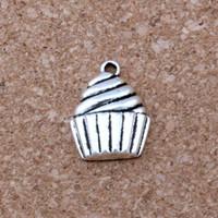 kek takılar toptan satış-MIC. 100 adet / grup Antik gümüş Alaşım Tek taraflı Cupcake Tatlı Gıda Kek Takılar Kolye 14.5x20mm DIY Takı A-127