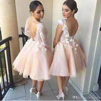 mütevazı mercan gelinlik elbiseleri toptan satış-Mütevazı Mercan Kısa Gelinlik Modelleri Ucuz Uzun Kollu Scoop Backless Aplike Çiçekler Gelin Elbise Törenlerinde 2017 Vestidos