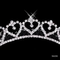 Wholesale Tiaras For Weddings Cheap - 2015 Cheap Popular Alloy Shining Crown Wedding Bride Tiaras Fashion Crowns For Bride In Stock 18016