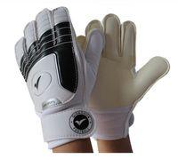 Wholesale Kid S Gloves - Soccer goalkeeper gloves for kids football latex goalie gloves children 's professional sports protection guantes de arquero