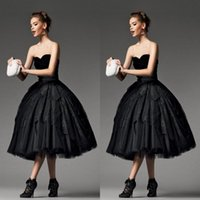 2018 Gothic Little Black Prom Kleider Schatz Spitze Ballkleid Tee Länge. Klasse Graduation Homecoming Kleid Cocktail Party Kleid Günstige