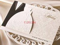 kostenlose fedex kleidung großhandel-100pcs / lot Fedex DHL geben Verschiffen-neue Ankunfts-Bräutigam-Braut-Kleidung kundengerechte druckbare Hochzeits-Einladungskarten frei