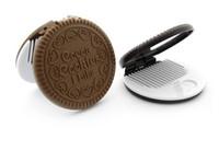 bisküvi çikolata toptan satış-Çikolatalı sandviç bisküvi makyaj aynası çikolata taşınabilir ayna Kahverengi Plastik Çikolata Çerezler Makyaj Araçları Yüz Kompakt Ayna Tarak
