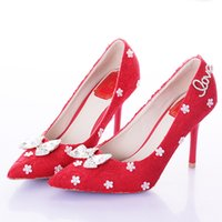 Red Lace Pointed Toe Thin Heels Mulheres Bombas Bridal High Heels Party Sapatos de casamento Bowknot Elegante vestido sapatos Bridesmaid Shoes