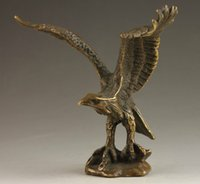 Barato Velhas Estátuas Chinesas-Superb Chinese Collectable Handmade Old Carving Vivid Bronze Statue Eagle