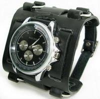 große lederarmbänder für männer großhandel-Fsahion-Entspannungs-Punkrock-Art-Mann- / Frauen-schwarze lederne Manschetten-Uhr-Armband-große Quarz-Uhren geben Verschiffen frei