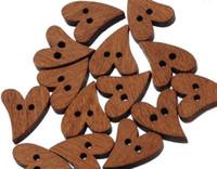 botones de madera en forma de corazón al por mayor-100 unids / set Encantadora Marrón de Madera de Costura de Corazón en Forma de Corazón Botón de Artesanía Scrapbooking DIY
