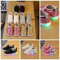 LED Baby Boys Bambina Scarpe Light Up Sport Sneakers paillettes Scarpe casual Moda Slip On Sneakers Flats KKA3348