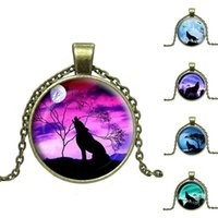 Wholesale Wolf Pendant Necklace Women - Wholesale-Fashion Wolf Art Image Pendant Necklace Vintage Jewelry Bronze Chain Necklace for Women Handmade