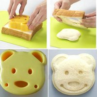 Wholesale Home DIY Cookie Cutter Plastic Sandwich Toast Bread Mold Maker Cartoon Bear Tool hot sale