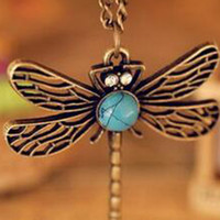 Wholesale Dragonfly Hollow - Fashion Vintage Hollow carved Dragonfly Pendant Necklace Retro Dragonfly Design Chain Pendant Girls' Gift Pardon Sweater