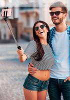 drahtlos gebaut bluetooth selfie stick groihandel-Ulanzi 3 in 1 Handheld Mini Stativ Telefon Selfie Stick Erweiterbar Einbeinstativ Bluetooth Fernbedienung für iPhone 8 X 7 Plus Samsung