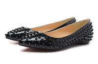 горячая прокачка оптовых-Горячие продажи бренда блеск Красное дно шипами плоские туфли женщины роскошные красные подошвы обувь блестки каблуки свадебные туфли остроконечные Toe насосы