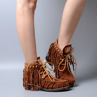 tornozelo plano camurça botas borlas venda por atacado-2017 forma afligida Suede Ankle Boots Mulheres Personalidade Correias Tassel Rebites Plano Botas Casual Locomotive Botas Mulher
