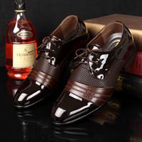 zapatos marrones casuales de negocios al por mayor-2016 HOT Big US tamaño 6.5-13 zapatos de vestir para hombre Zapatos planos Hombres de lujo de negocios Oxfords Calzado informal Negro / Marrón Zapatos Derby de cuero