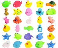 esprema o pato de borracha venda por atacado-Colorido Macio Pato De Borracha De Borracha Squeeze Som Squeaky Brinquedo De Banho Para O Banho Do Bebê Natação Brinquedos de Água Crianças Presentes Para Crianças