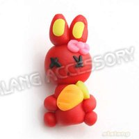 24pcs point chaud / lot Mode Polymer Clay Rouge Lapin Forme petit trou Perles Fit Artesanat 31x15x13mm DIY 112059
