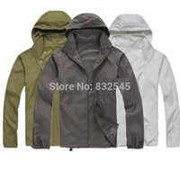 Wholesale-2014 New Arrive Brand XS-XXXL Mulheres Men Ultra-leve Outdoor Sport Waterproof Jacket Quick-dry Clothes Skinsuit Plus Size Outwear
