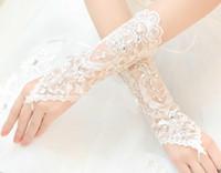 güneşten koruma eldivenleri toptan satış-Sıcak! Kadın Düğün Gelin Dantel Eldiven Aksesuarları Gelin Tül Çiçekler Hollow Kısa Ruffles Eldiven Araba Sürücü Güneş Koruma El Giymek